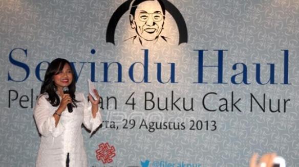 Putri alm Cak Nur, Nadia Madjid menyampaikan sambutan dalam acara Sewindu Haul Cak Nur