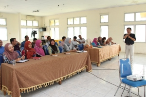 Para Dosen Fakultas Tarbiyah IAIN Jambi Mengikuti Pelatihan Menulis Karya Ilmiah dan Karangan Kreatif, 23-24 Maret 2015