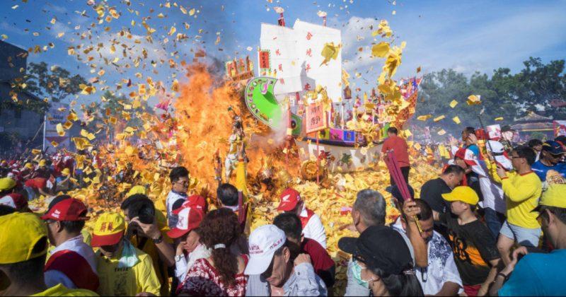 Festival-bakar-tongkang